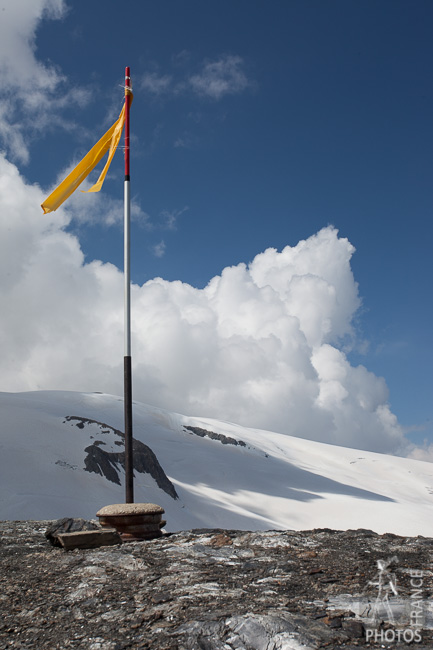 Mountain flag