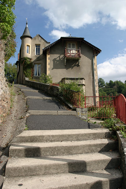 Saint Nectaire stairs