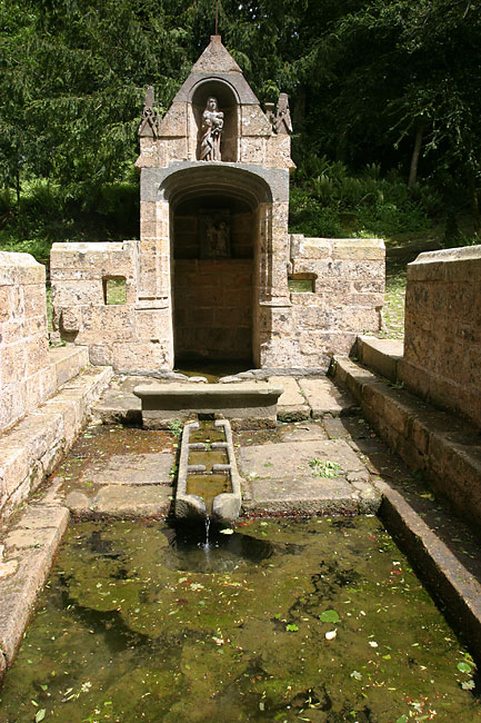 Sacred fountain in the Daoulas gardens