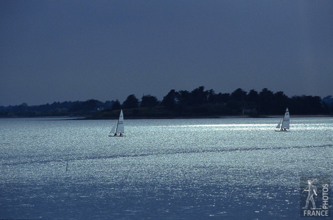 Sailing in the light