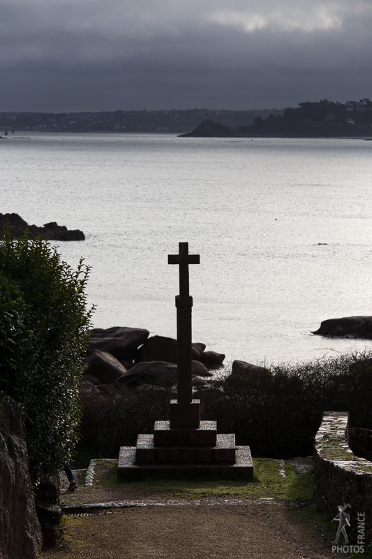 Coastal cross