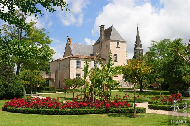 Beaulon castle rose garden