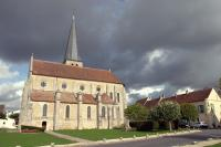The church of Villeneuve le Comte