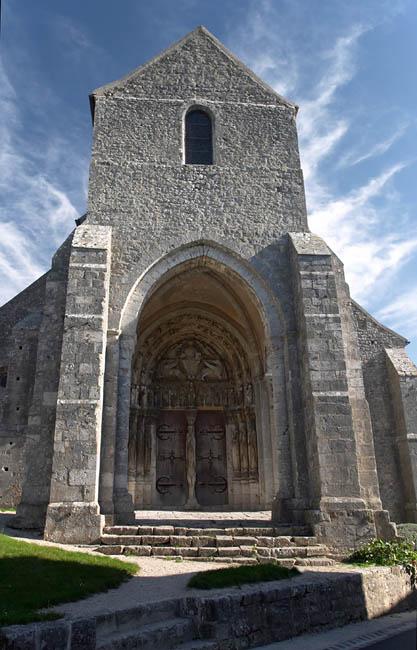 Porche d'église romane   Brie   France in Photos