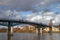 Footbridge over the Marne