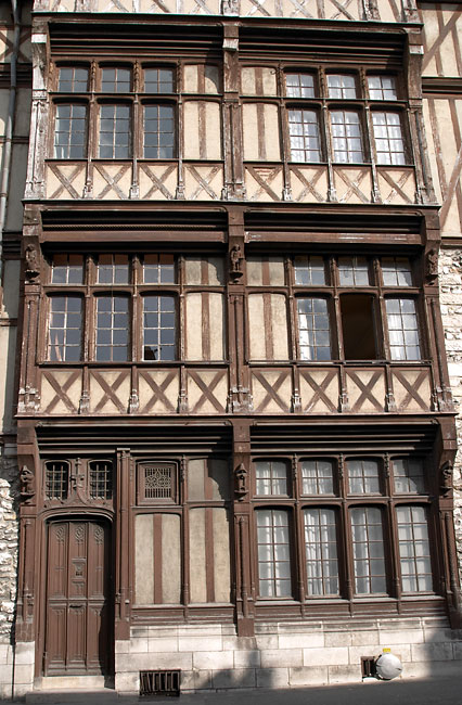 Half timbered house in Moret sur Loing