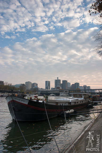 Altocumulus above the Seine