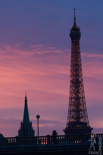 Eiffel tower on a pink sunset