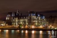 Hotel de Ville at night