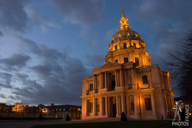 Invalides at night