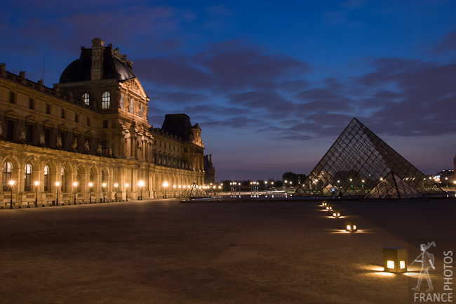 Lights in the Louvre at night