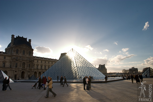 Light goes through the Louvre Pyramid