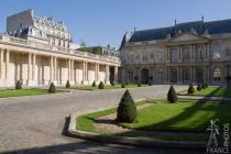 The Archives Nationales
