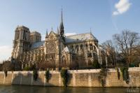 Notre Dame cathedral seen from the Quai de Montebello