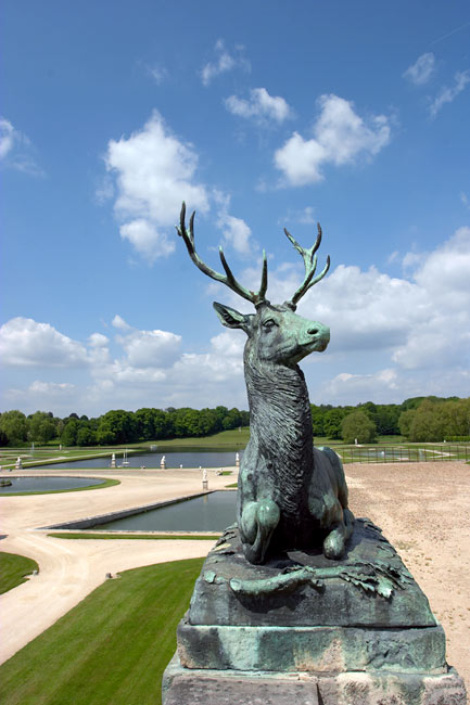 Deer statue in the Chantilly park