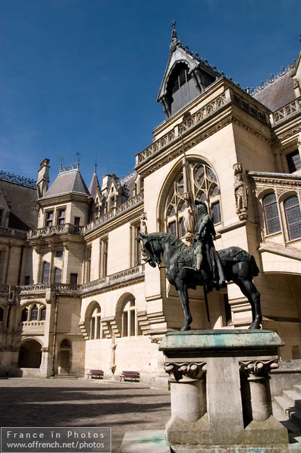 Equestrian statue of Louis of Orleans